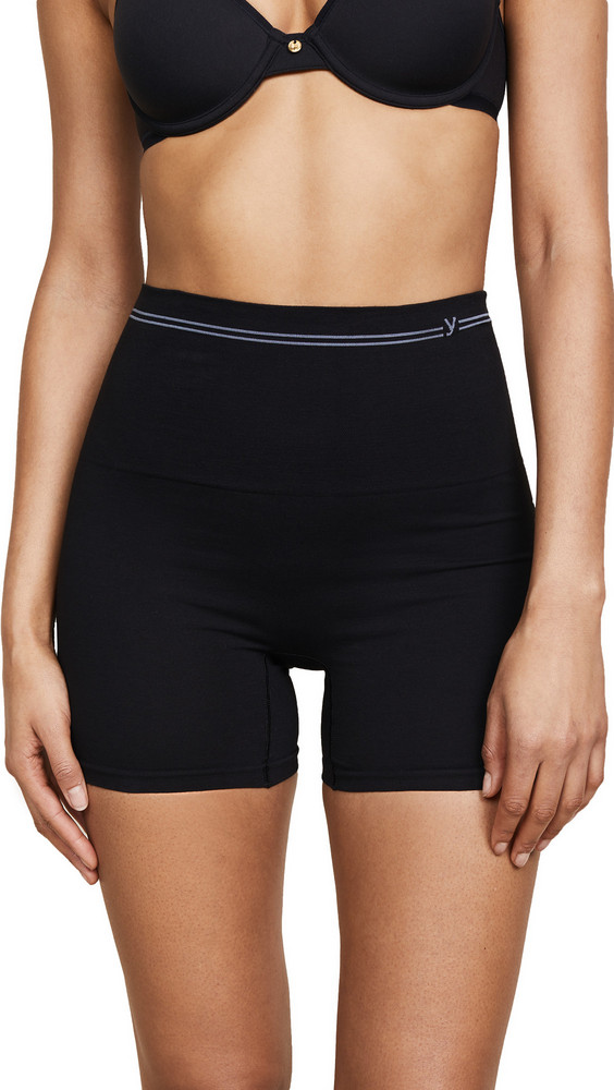 Yummie Shaping Shorts in black