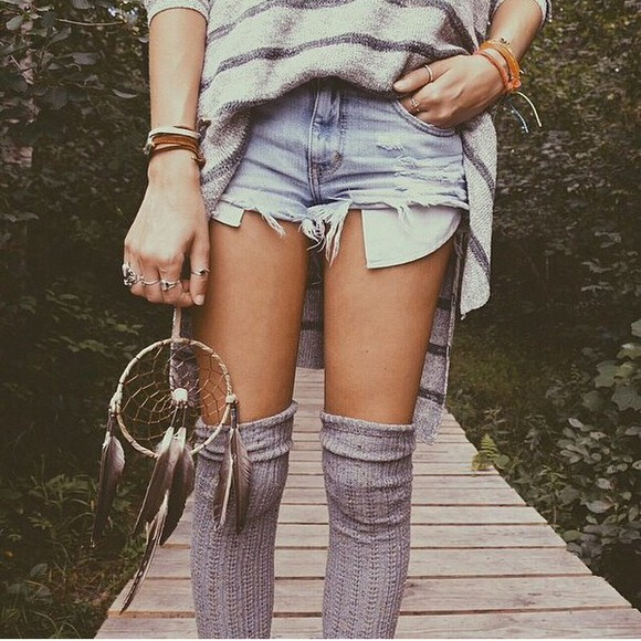 jewels shorts dreamcatcher feathers boho hippie bracelets native american destroyed jeans destroyed shorts destroy denim shorts denim socks grey grey socks sweater stripes striped sweater rings silver rings silver ring dream knee high socks