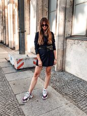 shoes,dress,black dress,sneakers,sunglasses