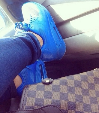 shoes blue sneakers air maxes nike bright blue