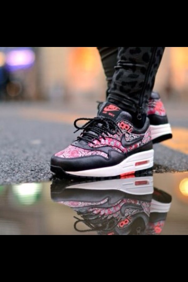 shoes air max black pink white