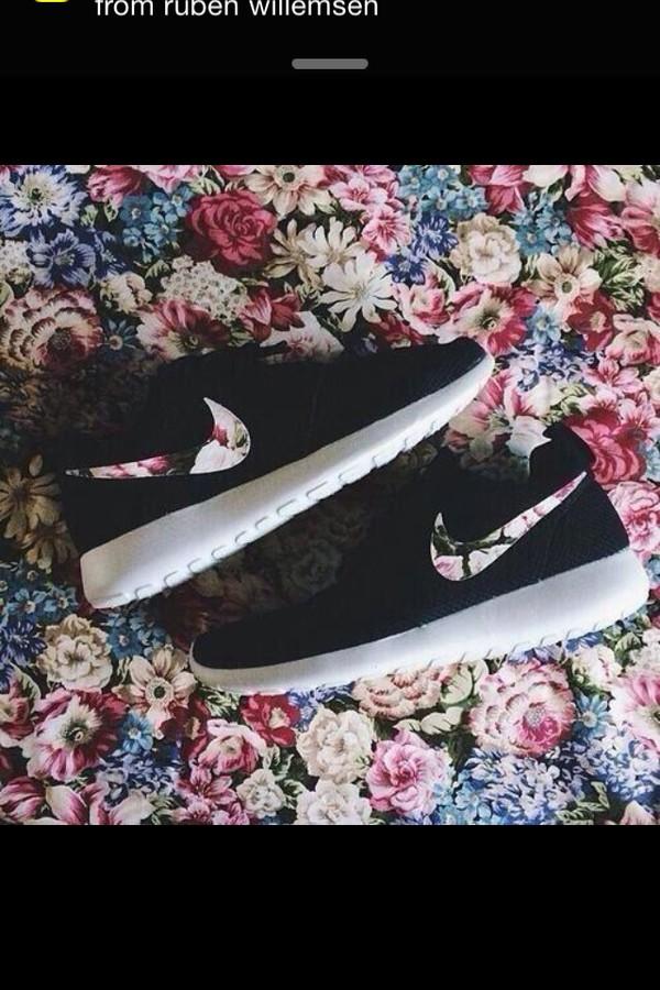 shoes nike roshe run flowers