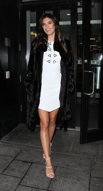dress sandals model off-duty sara sampaio mini dress white dress