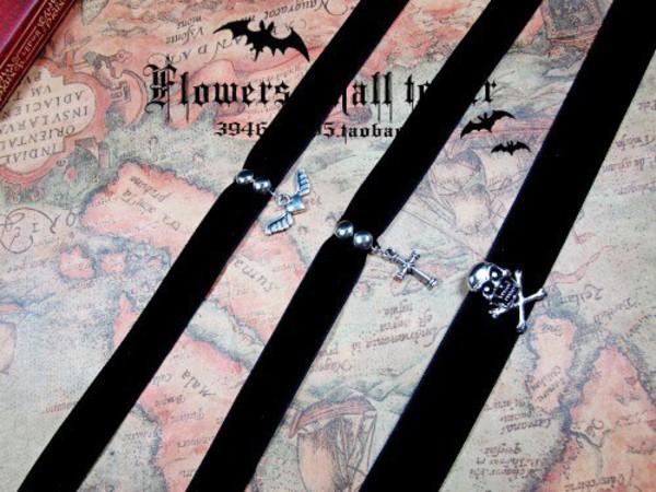 jewels cross heart skull necklace