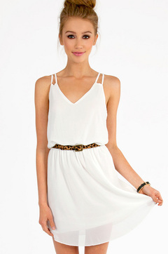 FLOWING SHORT WHITE DRESS on The Hunt
