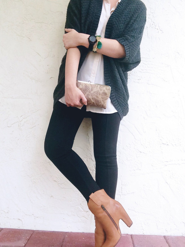 a pretty penny blogger knitted cardigan wallet white shirt leggings sweater shoes jewels bag