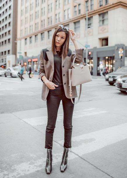 shoes tumblr boots black boots ankle boots zip denim jeans black jeans cropped jeans blazer grey blazer handbag