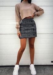 skirt,charcoal,white,plaid,dark grey bottons