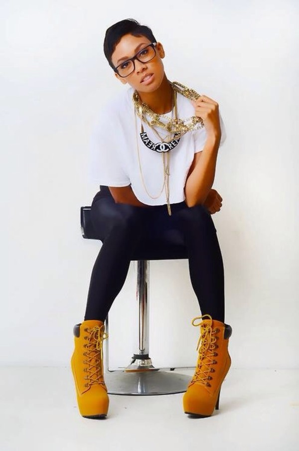 jewels necklace shoes pants leggings black timberlands t-shirt glasses gold chain goldchanelearrings custom timberlands jeans