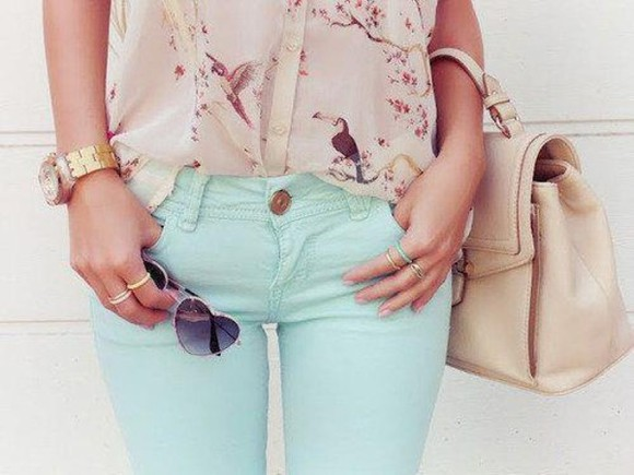 blue bikini beige bag blouse pink pants beautiful blue jeans green shirt t-shirt birds glasses heart ring gold rings white sunglasses