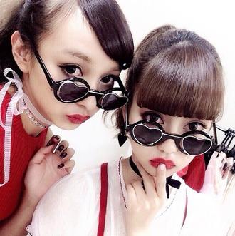 sunglasses heart heart sunglasses black black sunglasses cute cute sunglasses mary kate