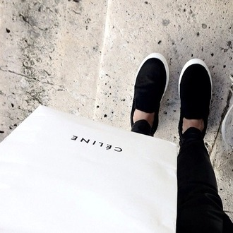 shoes black shoes white shoes white shoes every day look ootd black shoes flat black and white shoes
