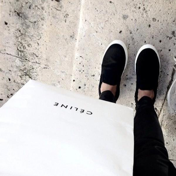 shoes black shoes white shoes white shoes every day look ootd black shoes flat black and white shoes