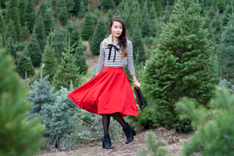 it's not her it's me blogger red skirt stripes