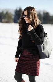 sweater,tumblr,black sweater,skirt,mini skirt,red skirt,tartan,printed skirt,tights,opaque tights,bag,black bag,tote bag,sunglasses,black sunglasses