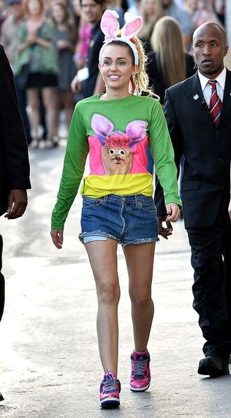 sweater sweatshirt miley cyrus sneakers shorts hair accessory