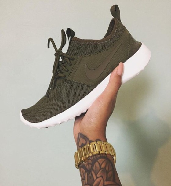 khaki green nike trainers