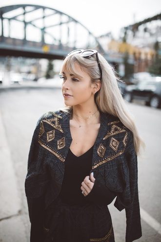jewels tumblr necklace gold necklace jewelry gold jewelry ring gold ring earrings gold earrings jacket grey jacket embellished jacket embellished top black top long hair blonde hair sunglasses