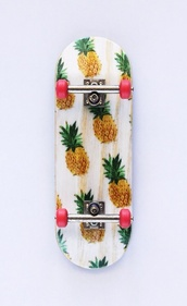 jewels,pineapple skateboard,skateboard,pineapple,girl skateboard,shoes,pineapple skate,dream board,top,sk8,pinapple,perfection,skater,pinapples,cardigan