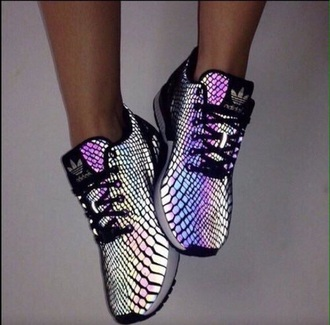 shoes white black tumblr shoes tumblr outfit grunge pale pale grunge black aesthetic aesthetic adidas adidas shoes tumblr