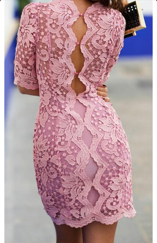 Розовые платья из кружев