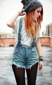 le happy,luanna perez,red hair,grunge t-shirt,grunge,short overalls,denim overalls,suspenders,knitted beanie,grey beanie,stacked bracelets,shorts