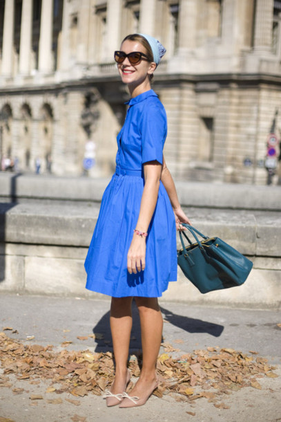 shoes kitten heels pumps tumblr nude shoes mid heel pumps blue dress dress midi dress a line dress three-quarter sleeves bag blue bag sunglasses cat eye spring outfits streetstyle hair accessory