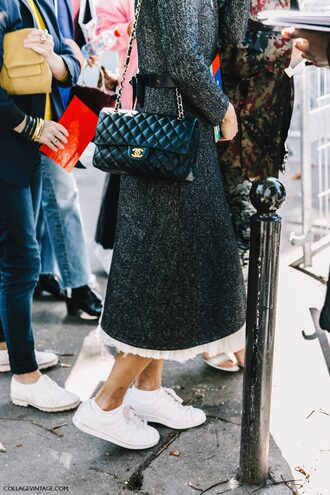 bag fashion week street style fashion week 2016 fashion week paris fashion week 2016 grey dress long sleeves fall outfits fall dress chanel chanel bag chain bag sneakers low top sneakers white sneakers
