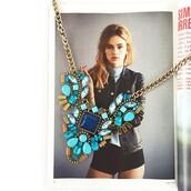 jewels,blue,gemstone,statement necklace,suki waterhouse