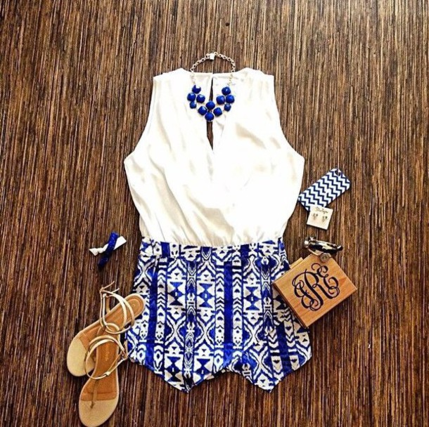 shorts blue white white shirt blue jewels fashion chic chic outfils shirt blue shorts jewels outfit outfils style top shoes blouse skirt