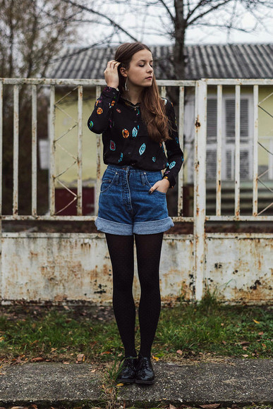 High waisted shorts iemmafashion blogger blouse