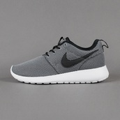 shoes,nike roshe run,runningshoes,cool grey,coolgrey,nike running shoes,nike sneakers,running shoes,roshes,nike,grey,nike shoes,grey sneakers,low top sneakers