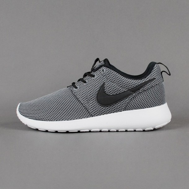 shoes nike roshe run runningshoes cool grey coolgrey nike running shoes nike sneakers running shoes roshes nike roshe run nike grey nike shoes grey sneakers low top sneakers