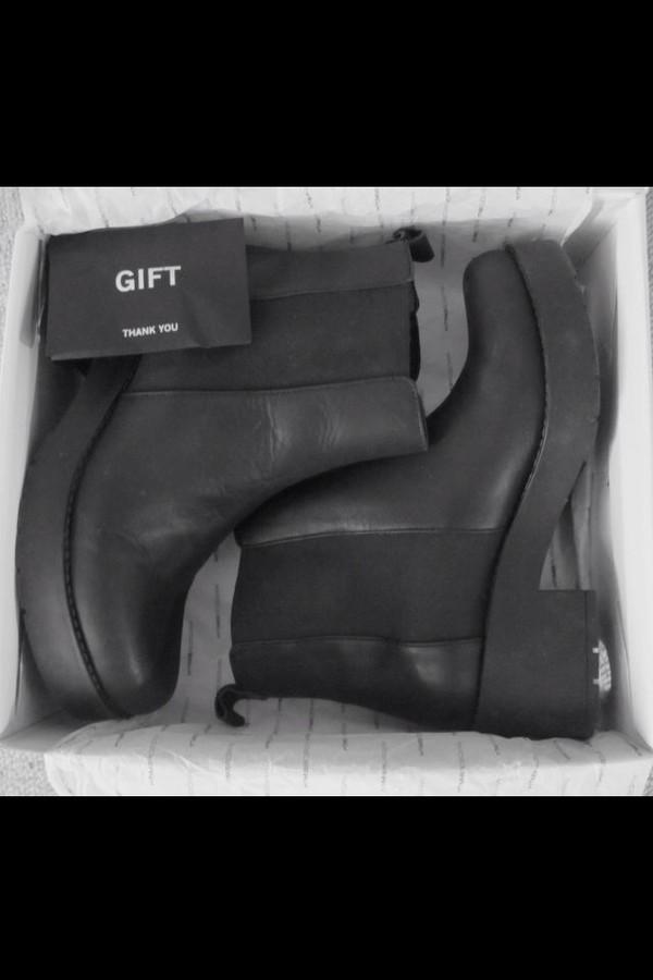 shoes boots heel