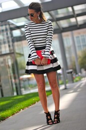 the courtney kerr,t-shirt,skirt,shoes,jewels,bag,sunglasses