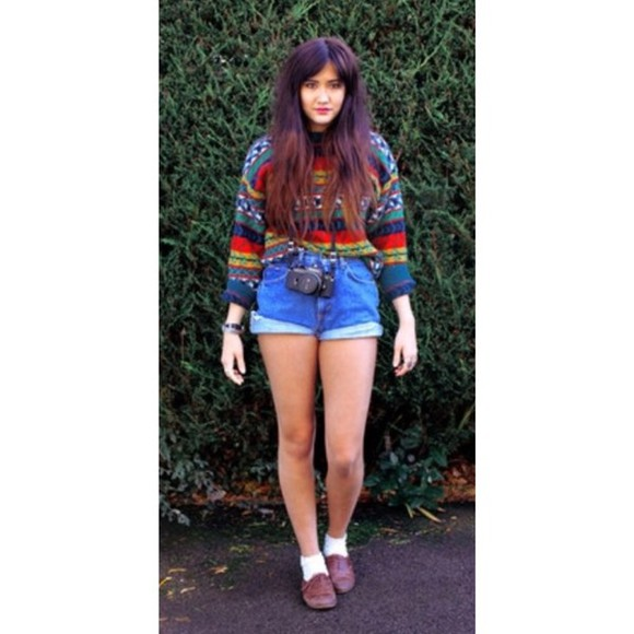 sweater orange vintage hipster autumn colours brown cute sweaters jeans denim shorts red sweater blue aztec hipster shorts hipster grunge oxfords oxford shoe autumn fasion green cute shorts cute shoes cute cute outfits brown shoes black blue marine jacket white High waisted shorts high waist shorts camera