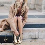 shoes,tumblr,metallic,metallic shoes,boots,gold,ankle boots,pointed boots,bag,black bag,coat,camel,camel coat,gold boots
