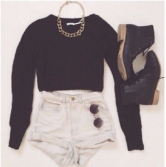shoes necklace shorts black fashion gold chain cuffed shorts blouse