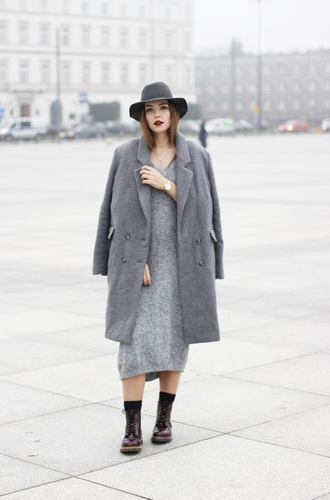 gold schnee blogger grey coat wool coat grey dress winter dress fedora grey hat all grey everything all grey outfit
