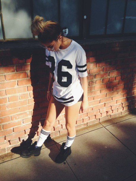 Shirt black and white t shirt jersey tumblr instagram for T shirt dress outfit tumblr