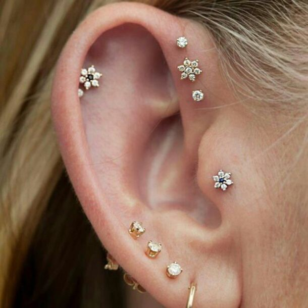 flowers, diamonds, ear piercings, helix piercing, piercing ... Ear Piercings Triple Helix