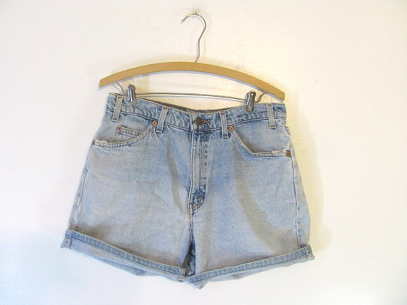 20 off SALE...vintage Levis shorts / faded by dirtybirdiesvintage