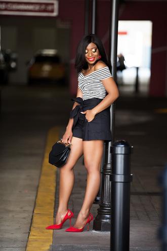 jadore-fashion blogger shorts top shoes hat bag jewels