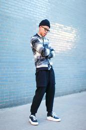 closet freaks,blogger,mens jacket,sweatpants,urban menswear,jacket,sweater,pants,shoes,mens sportswear,mens baseball jacket,mens low top sneakers