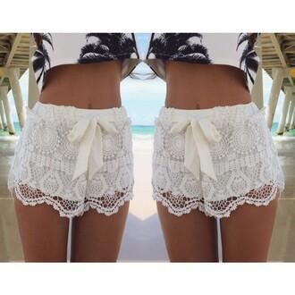 pants white short white pant fashion beautiful znu lace crochet short