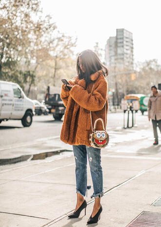 coat tumblr brown coat teddy bear coat fuzzy coat denim jeans blue jeans cropped jeans shoes black shoes bag oversized oversized coat