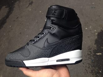 nike air revolution sky hi black