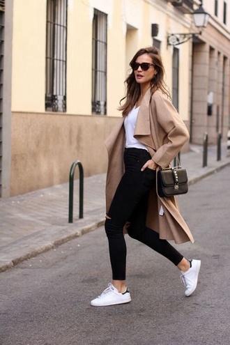 coat white t-shirt camel camel coat black jeans stan smith sunglasses black bag street