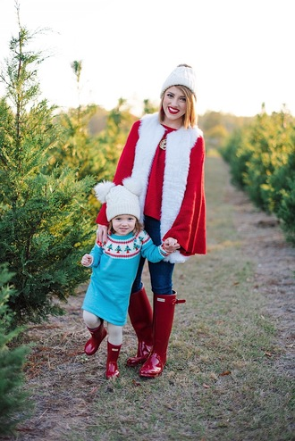 something delightful blogger sweater jacket shoes jewels hat dress tights christmas vest mother and child boots wellies red boots beanie winter outfits
