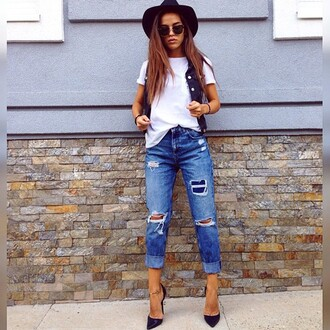 jeans boyfriend jeans ripped jeans ripped fashion white shirt outfit shoes heels hat sunglasses